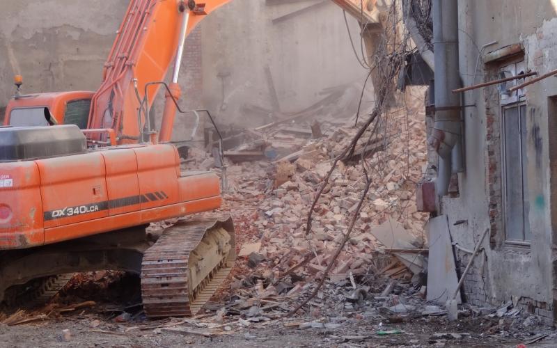 В Ростове ломают здание бывшей студии кинохроники, построенное по проекту известного архитектора Льва Эберга