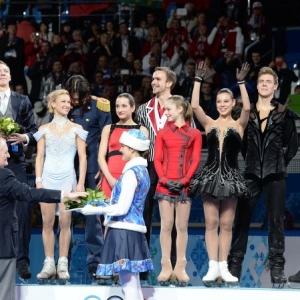 К началу третьего дня соревнований у российских олимпийцев к копилке 4 медали: одна золотая, две серебряных и одна бронзовая