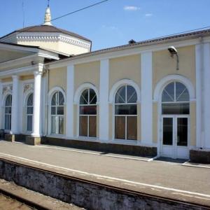 В Каменском районе Ростовской области подростка ударило током,когда он пытался перелезть через вагон на железнодорожной станции