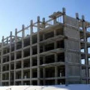Более 12,2 миллионов рублей похитил директор строительной фирмы. Эти средства Шахтинская городская администрация  перечислила ему на строительство квартир для детей, оставшихся без попечения родителей