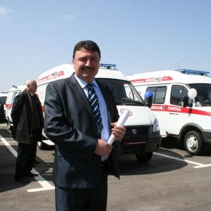 В Ростовской области главврачи практически всех районных и некоторых городских больниц получили ключи от новых автомобилей «скорой помощи»