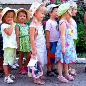9 июля губернатор Василий Голубев ознакомился с ходом строительства  одного из самых больших детских садов в области - на 280 мест - во время рабочей поездки в район.