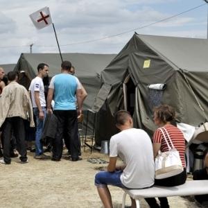 Минобороны РФ пригласило военных атташе из 18 стран осмотреть участок российско-украинской границы в Ростовской области, который ранее подвергся обстрелам с украинской территории