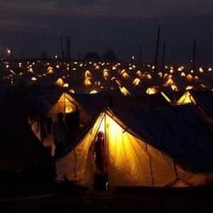 В Ростовской области принято решение перенести палаточный городок на 500 человек в российском Донецке на 20 км вглубь России.
