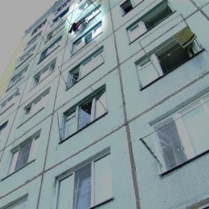 В Октябрьском районе Ростова-на-Дону женщина выпала из окна четвертого этажа жилого дома