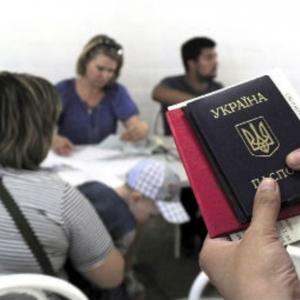 На сегодняшний день Ростовская область приняла более 40,7 тысяч украинцев, которые были вынуждены покинуть дома из-за событий в стране, сообщает ДПЧС по региону