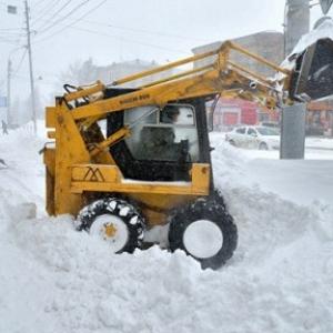 Ограничивать или вовсе прекращать движение по некоторым автодорогам – такой выход нашла администрация Ростова-на-Дону, ожидая зимних снегопадов