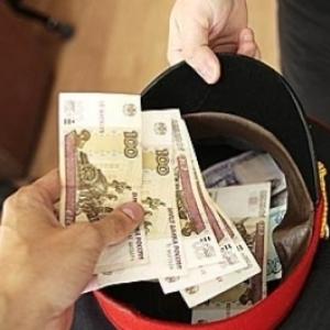 Троих полицейских Ростова осудили за вымогательство денег у задержанных.