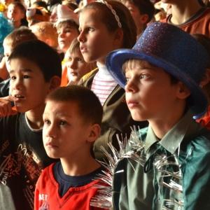 Ростовская губернаторская елка соберет вокруг себя 1000 маленьких жителей Дона.
