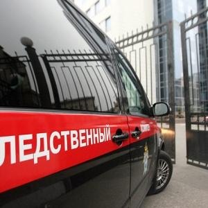 В Ростове-на-Дону возбуждено уголовное дело в отношении жителя Тюмени 31 года, мужчина, находясь на улице Лелюшенко, схватил 22-летнюю жительницу Ростова и ее дочь, усадил в свой автомобиль и увез в неизвестном направлении.
