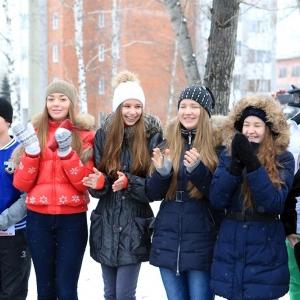 В селе Покровском Неклиновского района Ростовской области открылась новая спортивная площадка. Расположена она при средней общеобразовательной школе № 3, но заниматься здесь могут все жители райцентра