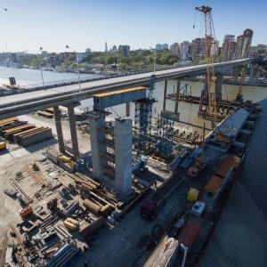 В воскресенье, 7 декабря, в Ростове-на-Дону с воды поднимут пролет нового Ворошиловского моста