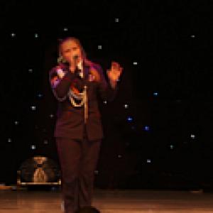 Воспитанница Белокалитвинского казачьего кадетского корпуса исполнила народную песню «То не вечер»