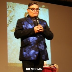 Известный историк моды и телеведущий Александр Васильев 12 декабря посетил Ростов-на-Дону