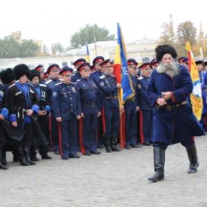 Глава Ростовской области Василий Голубев решил в 2015 году увеличить более чем на 68 млн рублей финансовую поддержку донского казачества.