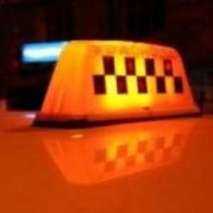 В Ростовской области пьяный мужчина изнасиловал свою знакомую прямо в такси и в присутствии водителя.