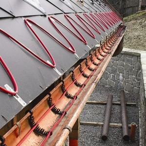 Принципиально новая система снеготаяния устанавливается на крышах домов в Ростове.