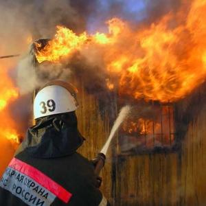 В Морозовске произошел пожар в частном доме: погибших нет.
