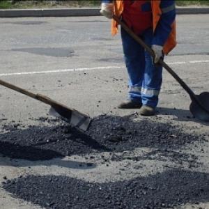 Ямки на дорогах в Ростове-на-Дону будут ремонтировать круглые сутки