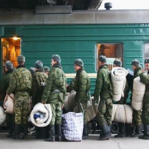 «Солдатских матерей» засыпают жалобами об отправке солдат в Ростовскую область.