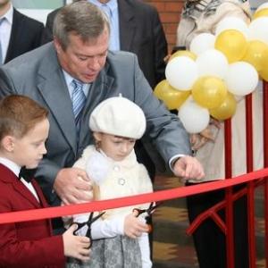 Премьер-министр России Дмитрий Медведев подписал распоряжение о предоставлении субсидий на детские сады