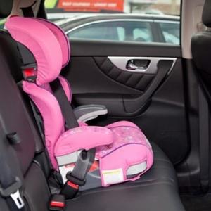 В социальных сетях Ростова появилась информация о том, что 26 февраля ожидается новая акция от ГИБДД – служба будет штрафовать граждан в случае отсутствия в автомобилях детских кресел.