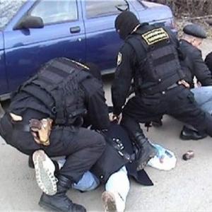 Сотрудники наркоконтроля Ростова задержали подозреваемых в сбыте и хранении наркотиков.