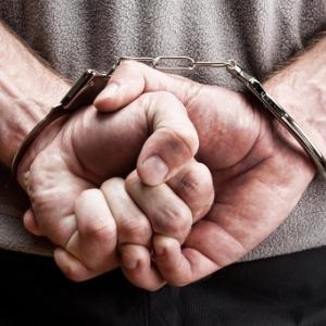 В Ростове-на-Дону задержан мужчина, укравший 20 тысяч долларов у пригласившей его в гости местной жительницы