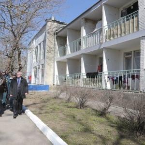 Начиная с 15 апреля, украинцев, проживающих в пунктах временного  размещения (ПВР) созданных на базе детских оздоровительных учреждений Ростовской области, будут переселять в другие ПВР.