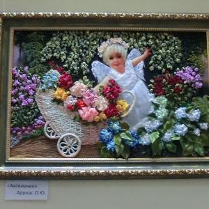 В Новочеркасске проходит выставка объединения «Женская палитра»