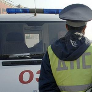 В Ростове водитель автомобиля «Форд- Фокус» на парковке супермаркета наехал на трёхлетнюю девочку