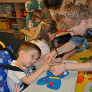 На сайте правительства Российской Федерации появилось распоряжение, согласно которому на обучение детей-инвалидов в Ростовской области будет выделено 92,4 миллиона рублей.