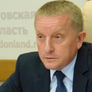 Глава администрации Ростова-на-Дону Сергей Горбань предложил бизнесменам из Советского района помочь их же сотрудникам во время субботников.