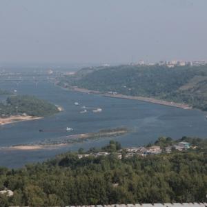 Низкий уровень воды в реке Дон становится причиной того, что имеющиеся  суда не могут ходить по маршруту.