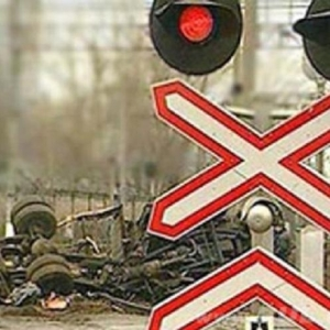 Накануне, за полчаса до полуночи в Ростове столкнулся трактор и легковой автомобиль.