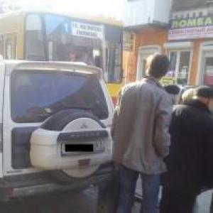 В Ростове «Холодная война» между автомобилями и общественным транспортом сегодня перешла в «горячую» фазу.