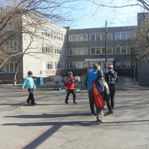 Чисто ростовская проблема: детей без прописки в школу не берут