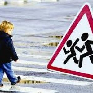 В поселке Чертково Ростовской области мужчина за рулем автомобиля «ВАЗ-2107» сбил трехлетнего малыша.