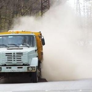 Один из жителей Ростова-на-Дону стал свидетелем очередной «предельно аккуратной» уборки города.