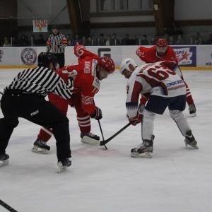 Хоккеисты «Ростова», несмотря на трудности, сумели одержать верх над «Мордовией» в пятом матче серии плей-офф. Решающую победную шайбу забросил Иван Акимов