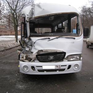 Водитель одной из машин не выдержал безопасную дистанцию