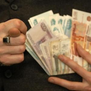 Следственные органы Ростовской области завели уголовное дело против директора коммерческой организации, выпускающей цемент.