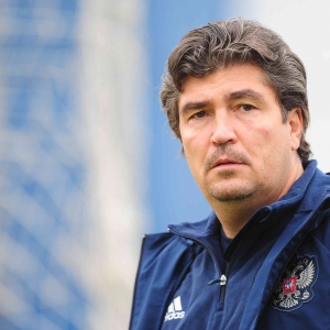 Появилась информация о том, что возглавить футбольный  клуб «Ростов» в сезоне-2015/16 может главный тренер молодежной сборной России Николай Писарев.