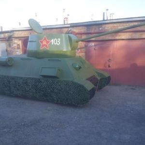 Житель Таганрога Юрий Архипов вместе с друзьями своими руками воссоздал копию легендарного танка Т-34