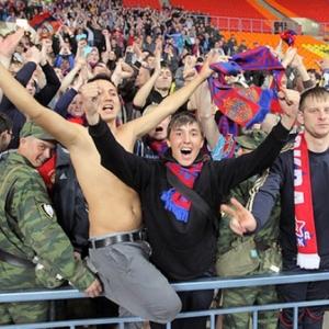В твиттере рассказали, что в Ростове омоновцы избили московских футбольных фанатов