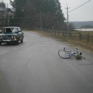 Накануне днем на улице Красногвардейской в поселке Глубокий случилось серьезное дорожно-транспортное происшествие.