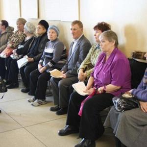 Ростовчане жалуются на очереди в поликлиниках и отсутствие льготных лекарств