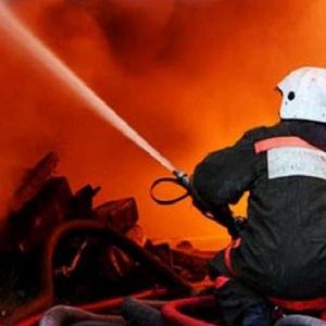 В Аксае следователи пытаются выяснить причины пожара, в котором погибли мужчина и женщина