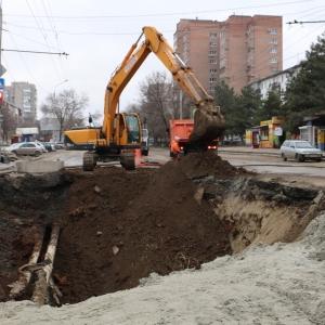 Власти Ростова-на-Дону озвучили перечень городских улиц и проспектов, которые в этом году должны будут привести в порядок коммунальные и дорожные службы.
