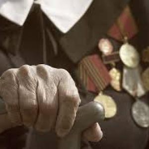 Ветеран Великой Отечественной стал жертвой грабителя.